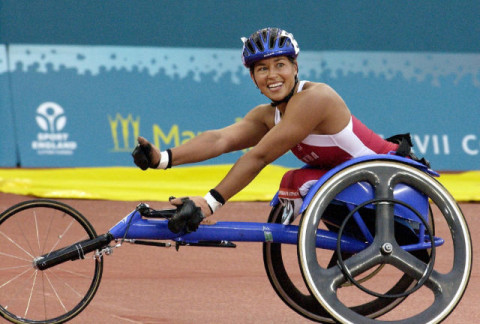 Trailblazer Chantal Petitclerc wins first Commonwealth Games gold medal in Para-sport