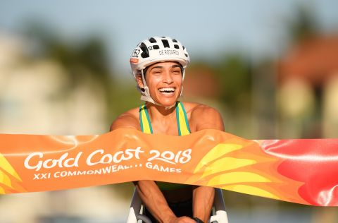 Australia's Madison de Rozario wins gold in the Women's T54 Marathon at the Gold Coast Commonwealth Games on 15 April 2018